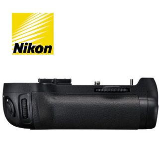 Nikon MB-D12 battery grip pre Nikon D800/ 810/ 810A