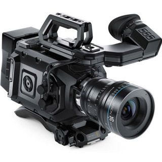 Blackmagic URSA Mini 4,6K EF Bundle