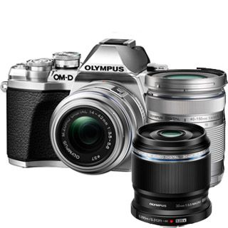 Olympus E-M10 Mark III Double Zoom kit silver + objektív 45mm Zdarma !