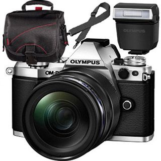 Olympus OM-D E-M5 Mark II silver + ED 12-40mm black + blesk + TAŠKA Zadarmo !